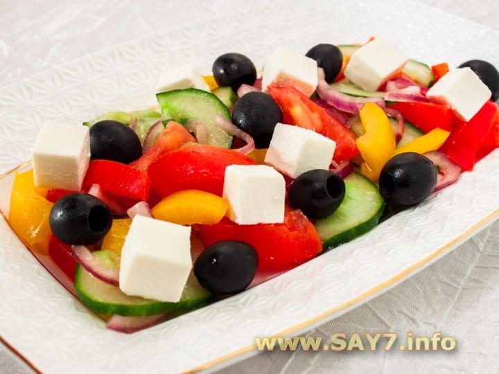 Калорийность салата греческий в 100 граммах