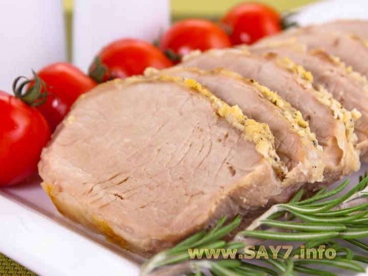 Свинина запеченная с чесноком