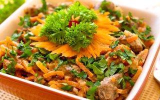 Салат с грибами и фасолью кукурузой и сухариками рецепт с