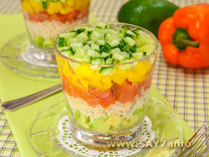 Салат с красной рыбой авокадо и огурцом — pic 6