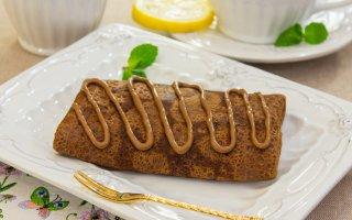 Рецепт: Шоколадные блинчики с бананами и орехами