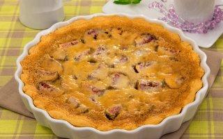 Пирог с инжиром и миндальным кремом