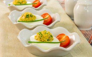 Рецепт: Яйца, фаршированные грибами
