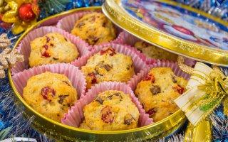 Рецепт: Печенье творожное с вишней, миндалем и шоколадом