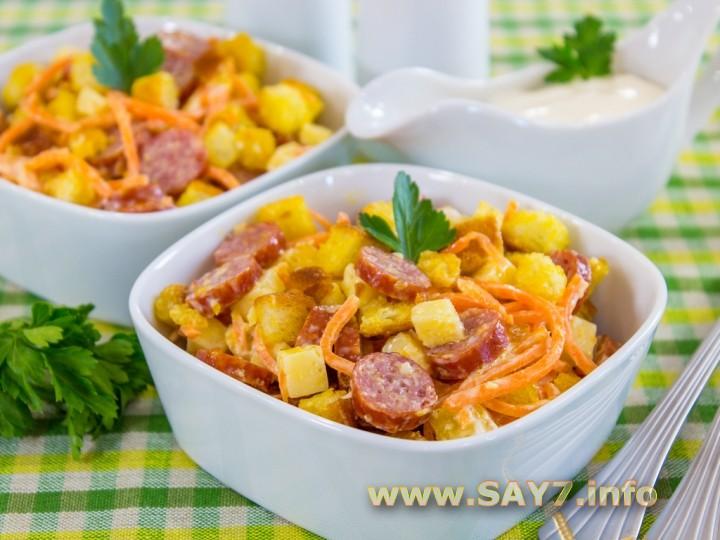 1143 0130gwu 7032 6hi Рецепт: Салат с охотничьими колбасками и сухариками