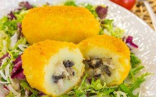 Котлеты из картофеля с фаршем и грибами