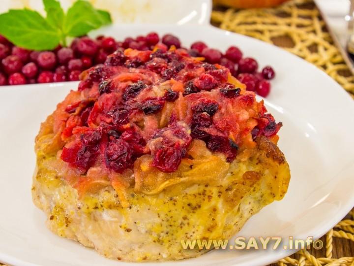 1154 01253sr 7692 6hi Рецепт: Свинина, запеченная с яблоками и брусникой