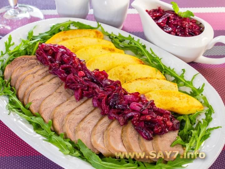 1167 0150uur 6457 6hi Рецепт: Утиное филе с айвой под луково брусничным соусом
