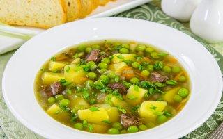 Суп с говядиной, машем и зеленым горошком