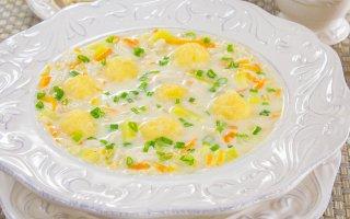 Сырный суп с сырными шариками