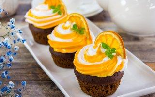 Шоколадно-апельсиновые маффины с начинкой